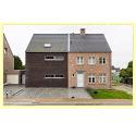 twee halfvrijstaande huizen